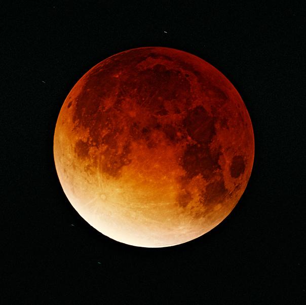 2014年10月8日の満月は皆既月食...